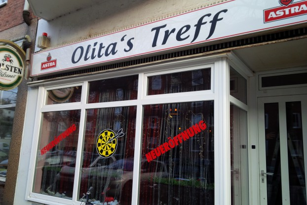 """""""Olita's Treff"""" in der ehemaligen """"Bavaria Insel"""" im Stellinger Weg 20. Foto: Annika Demgen"""