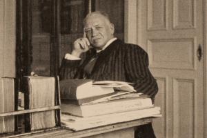 Israel Johannes Rubanowitsch in seinem Arbeitszimmer, Mai 1936. Foto: Archiv Holstenwall