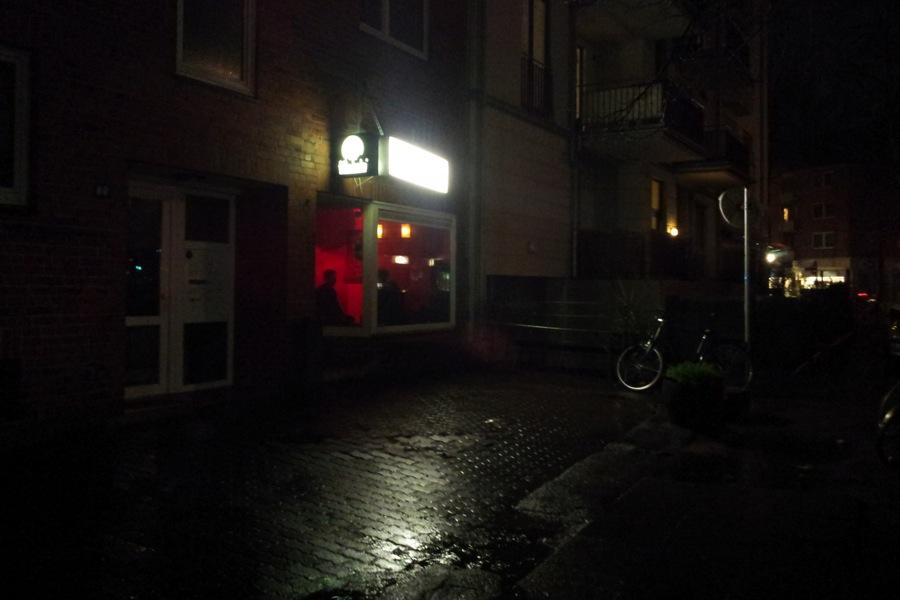 Neuer Wechselstuben-Standort. Die Cosy Bar im Hellkamp 26.