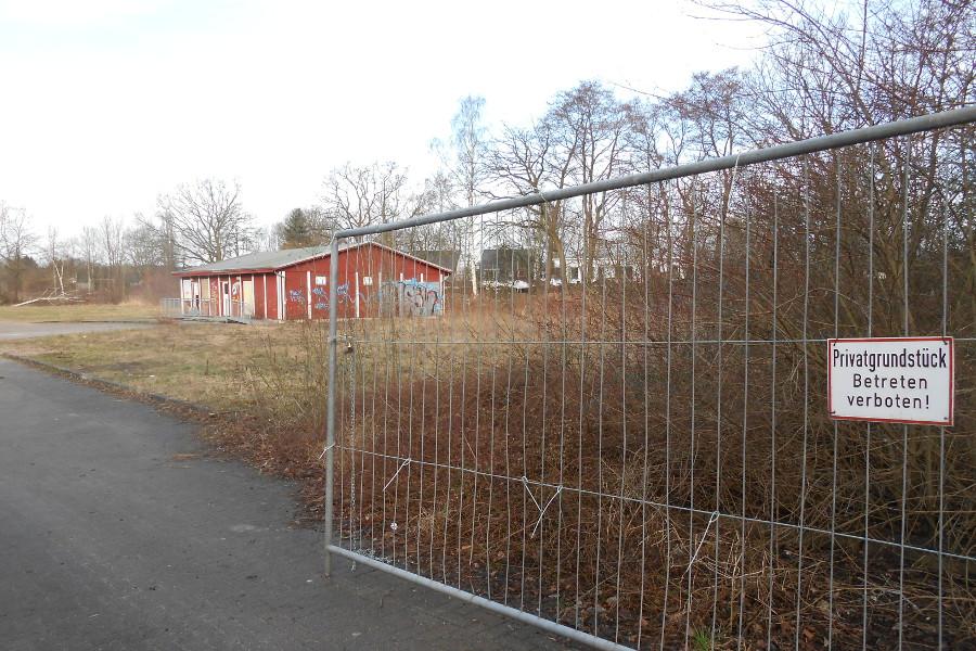 Gelände für geplante Erstaufnahmestelle in der Niendorfer Straße 99. Foto: Anja von Bihl