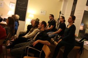 Das Publikum diskutierte mit. Foto: Nora Helbling