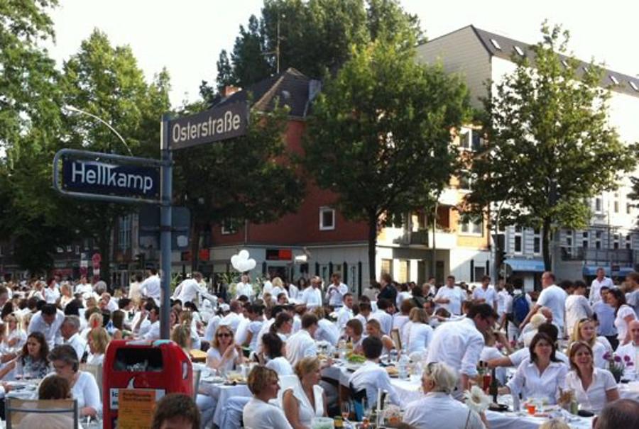 Auch in diesem Jahr gibt es wieder ein Weißes Dinner in Eimsbüttel. Foto: Anna Stöckle