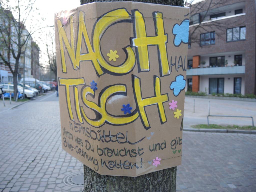"""Platz ohne Namen mit """"Nachtisch"""""""