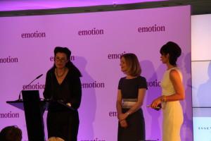 """Tina Rademacher-Scheele (Mitte) gewann in der Kategorie """"Frauen in Führungspositionen"""". Foto: Nele Deutschmann"""