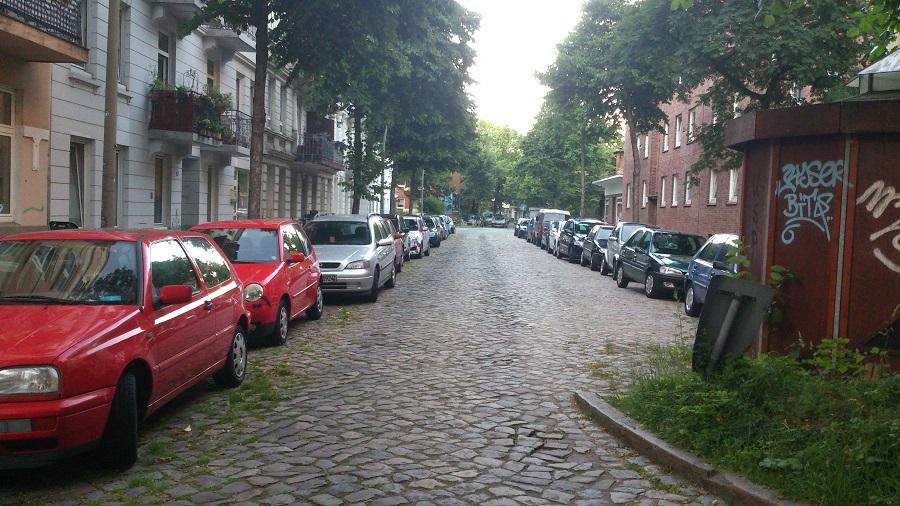 Im Spengelweg folgt man dem Längsparkgebot. (Foto: Annika Demgen)