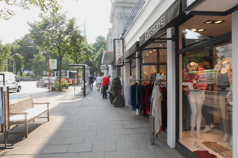 Shopping am Eppendorfer Baum.  Foto: Anja von Bihl