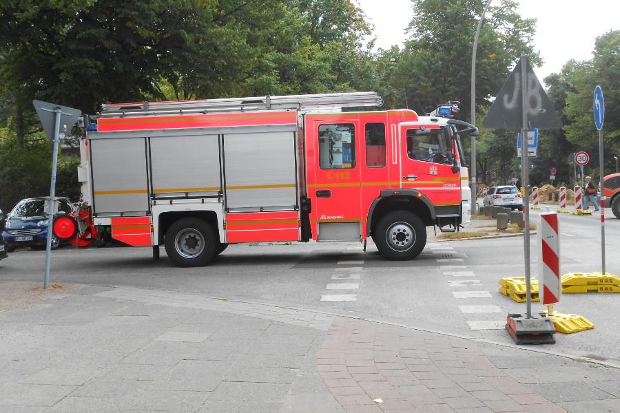 Fahrzeugbrand in Niendorf