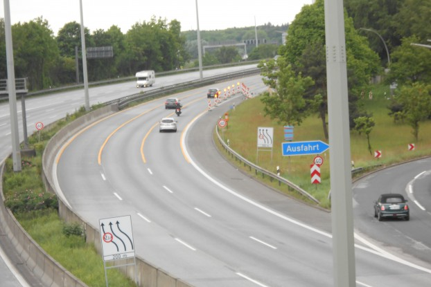 Im Zeitraum der Inbetriebnahme des umgebauten Autobahnabschnittes ist eine Umleitung eingerichtet. Foto: Anja von Bihl