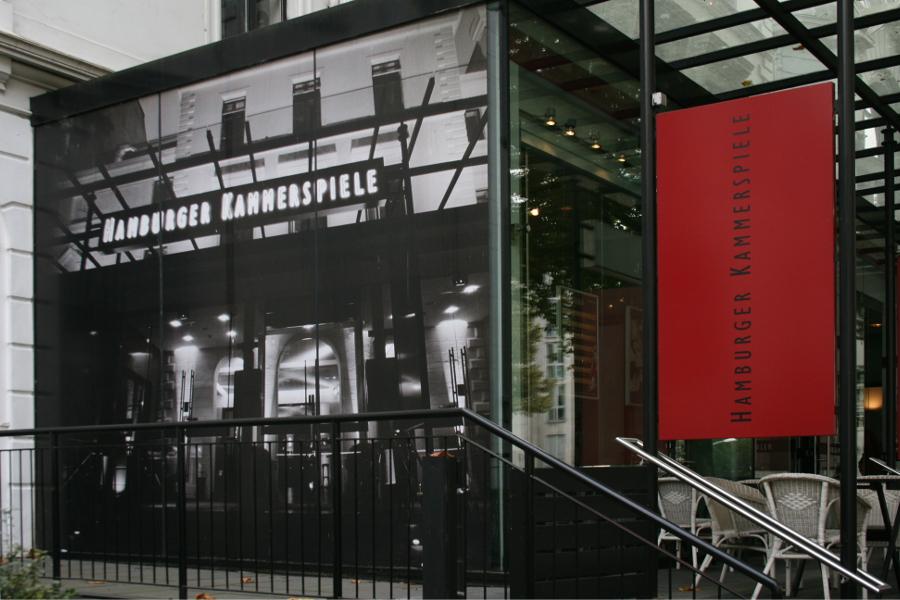 """Die Hamburger Kammerspiele zeigen das Stück: """"Die Netzwelt"""". Foto: Anja von Bihl"""