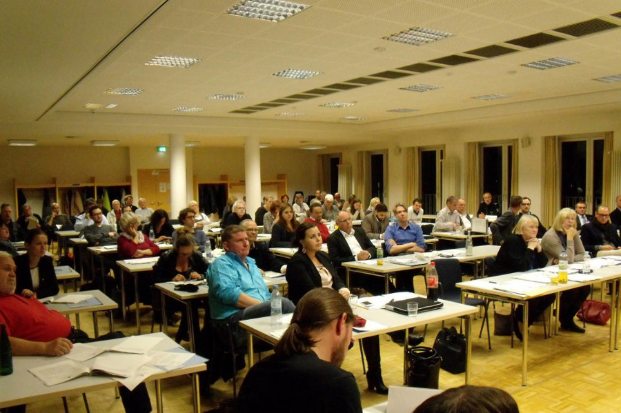 Die Bezirksversammlung traf sich zu ihrer dritten Sitzung nach der Wahl. Foto: Neele Wulff