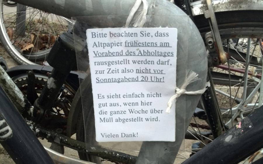 Ein Schild der Anwohner hat zu keinen Veränderungen geführt. Foto: Lena Schnüpke