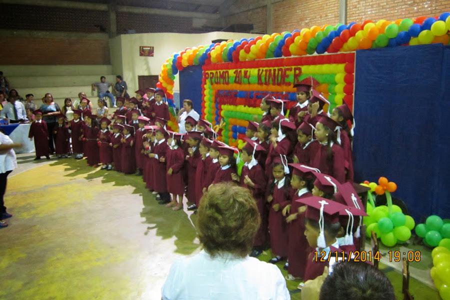 Zum Ende der Vorschule bekommen die Kleinen Doktorhut und Diplom.