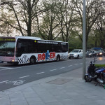 Autofahrer und Busse des HVV mussten warten. Foto: Niklas Heiden