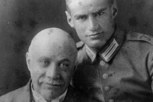 Salomon Bondy und einer seiner Söhne, vermutlich Curt, im 1. Weltkrieg. Quelle: Tom Roeper und Familie
