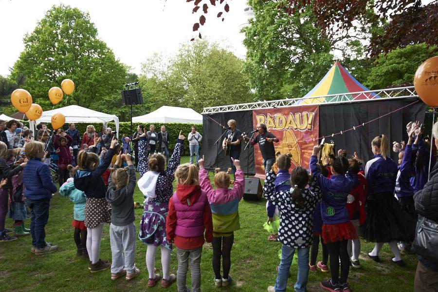 """Liveband auf dem """"Fest der kleinen Wichte"""". Foto: Seiteneinsteiger e.V."""