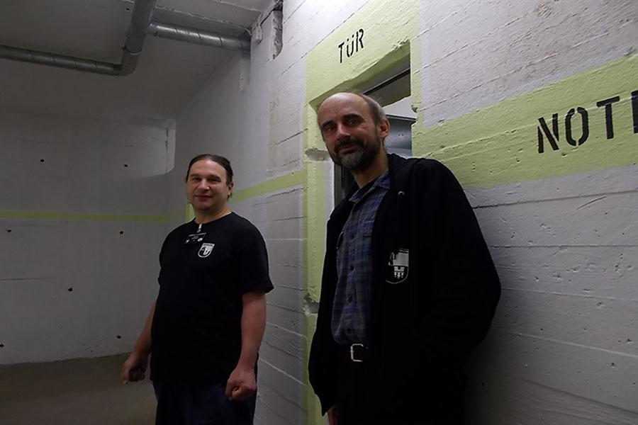 V.l.n.r.: René Rühmann und Michael Berndt von den Hamburger Unterwelten. Foto: Lena Jürgens