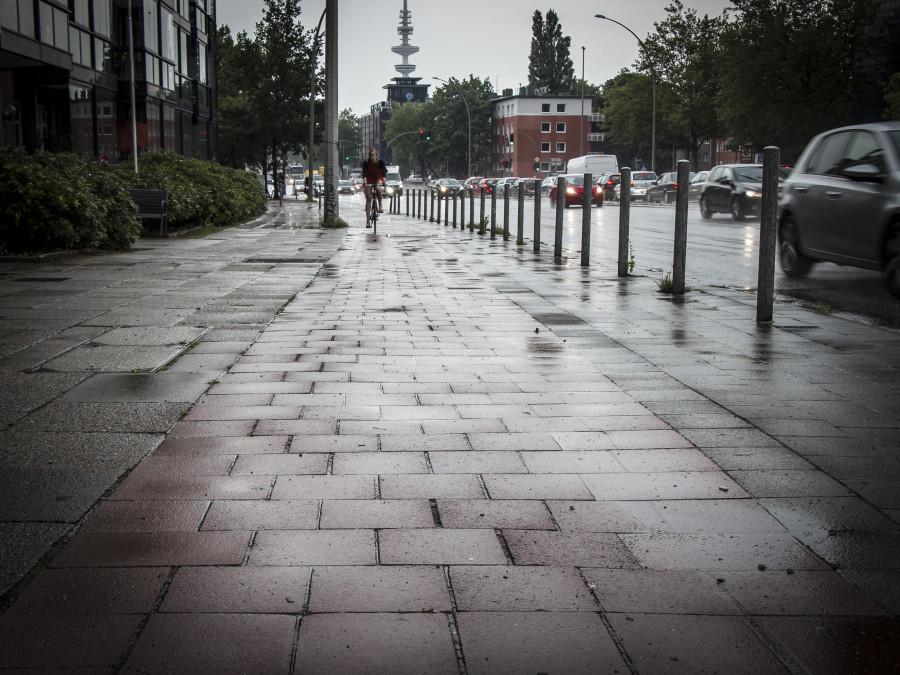 Radweg an der Fruchtallee. Foto: Robert Becker.