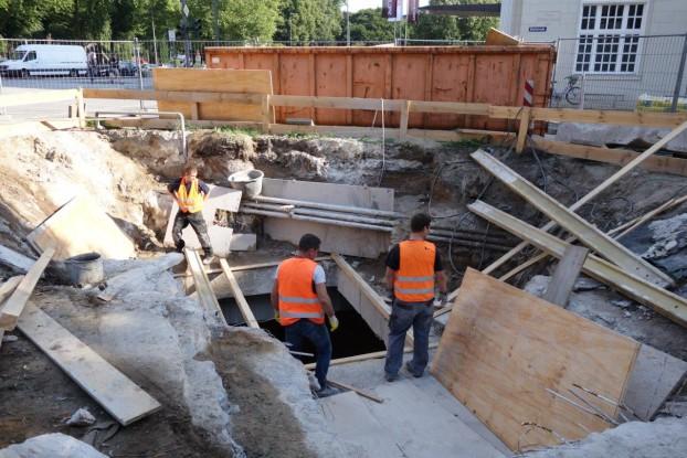 So sahen die Arbeiten am Aufzugsdurchbruch an der Haltestelle Stephansplatz aus. Foto: Harald Jäkel / HOCHBAHN