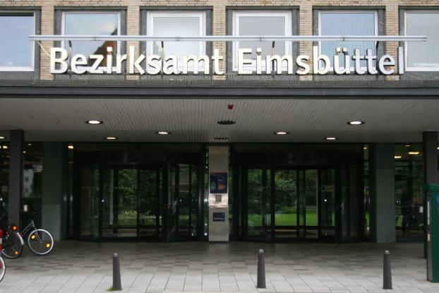 Im Grindelberg 62-66 befinet sich das Bezirksamt Eimsbüttel. Foto: Anja von Bihl
