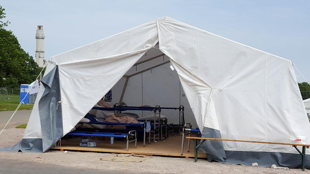 Nur ein Zelt
