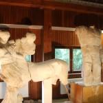 In Stellingen werden die antiken Giebelskulpturen gelagert. Foto: Lukas Gilbert
