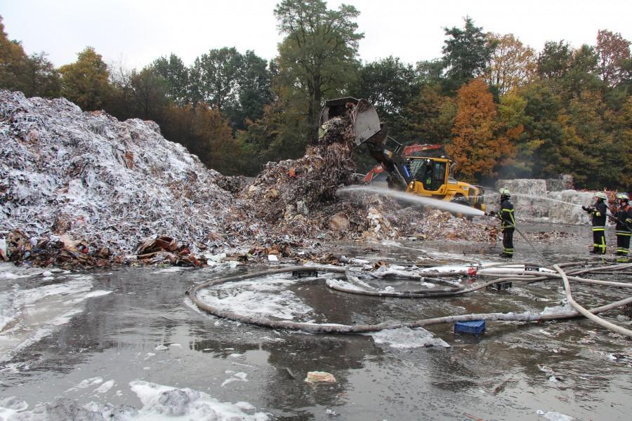 Großbrand in Stellinger Recyclinghof