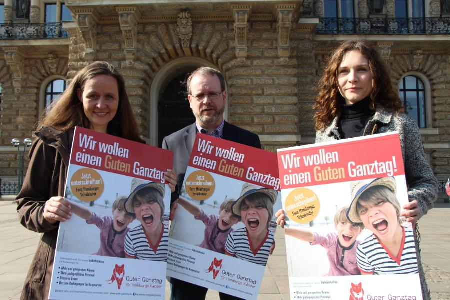 """Unterschriftenübergabe der Volksinitiative """"Guter Ganztag"""" (Update)"""