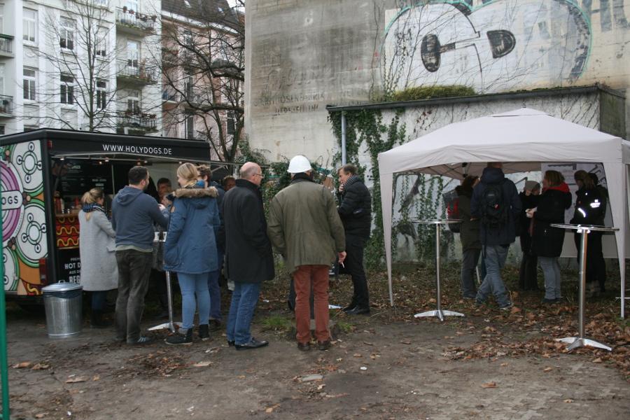 Informationsstand am Bunker. Foto: Anja von Bihl