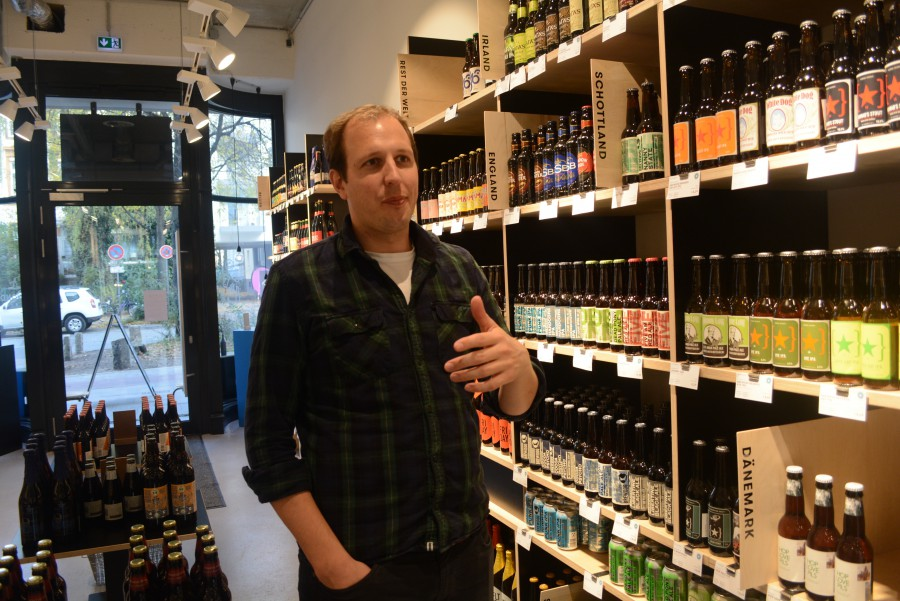 Ronald Siemsglüß, 35, is one of four owners of the shop. He is also a part owner of Brausturm, a craft-beer wholesaler located in Fuhlsbüttel. Foto: Chad Smith