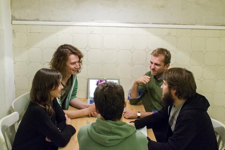 Die Treffen werden in der WG-Küche abgehalten. Foto: Julia Schumacher