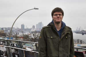 """Stefan Füsers: """"Die erste Lebensaufgabe sollte nicht mehr die Suche nach einer existenzsichernden Arbeit sein."""" Foto: Fabian Hennig"""