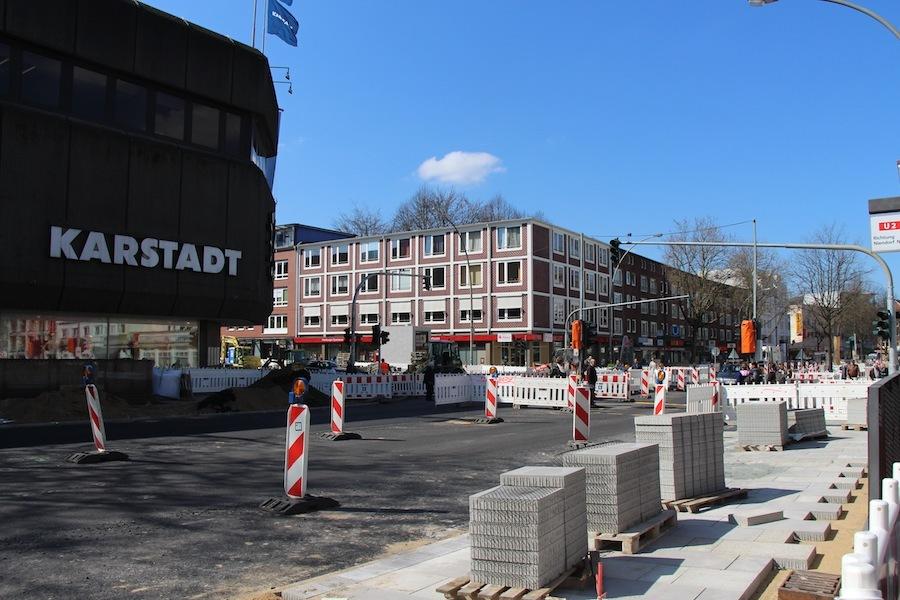 Der Kreuzungsbereich am Heußweg soll pünktlich zum Osterstraßenfest fertiggestellt werden. Foto : Marthe-Marie Nowak