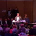 Bezirksamtsleiter Torsten Sevecke wurde immer wieder persönlich aus dem Publikum angegriffen. Foto: Annika Demgen