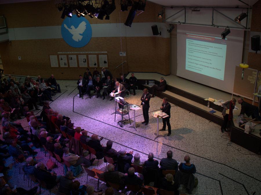 Nicht für alle Zuschauer gab es an diesem Abend Plätze. Foto: Annika Demgen
