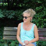 Lotte, 28 verbringt die Zeit an ihrem Lieblingsort. Foto: Jannika Grimm