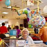 Eimsbüttel berühmteste Kassiererin ist 75 Jahre alt geworden