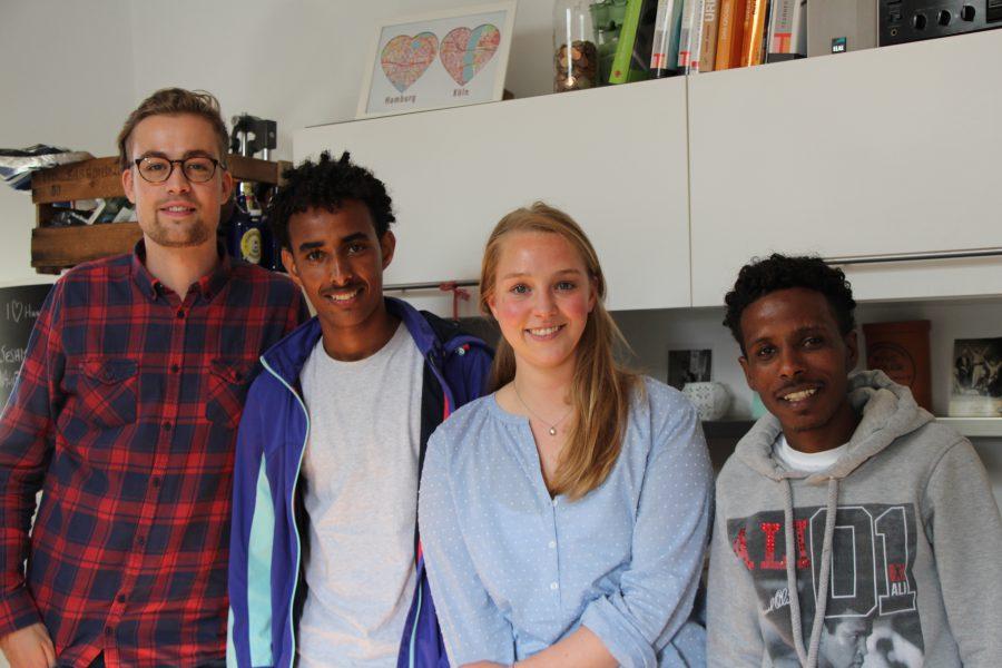 Aus Paten werden Freunde: Jonathan (v.l.), Zerit, Hannah und Gereye. Foto: Magdalena Gärtner