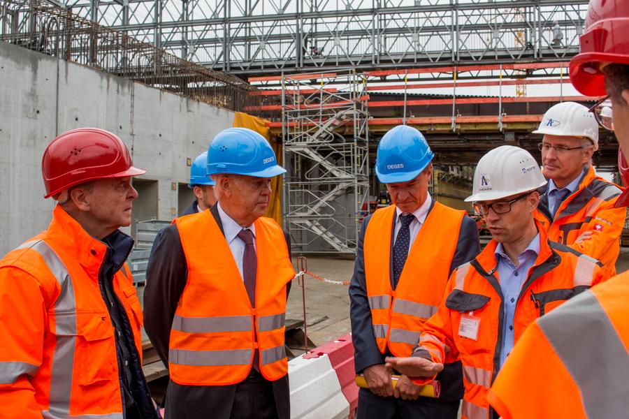 Besichtigung der Baustelle in Niendorf. Foto: Alexander Povel