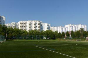 Die Lenzsiedlung besteht aus 1.300 qm Gebäude- und 4.000 qm Außenfläche. Foto: Leo Papenberg