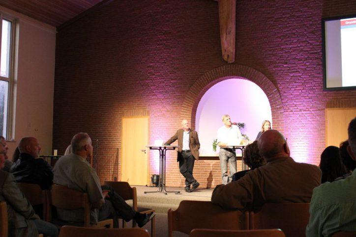 Die drei Sprecher stellten sich am Montag Abend den Fragen der Zuschauer. Foto: Jannika Grimm