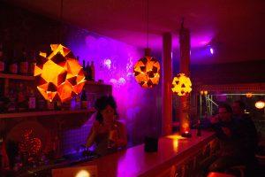 Cosy Bar Theke. Foto: Holger Vogel