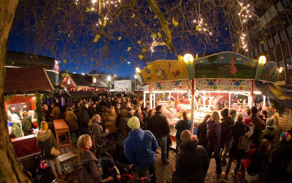 Weihnachtsmarkt Osterstraße: Blaue Stunde. Foto: Weihnachtsmarkt Osterstraße