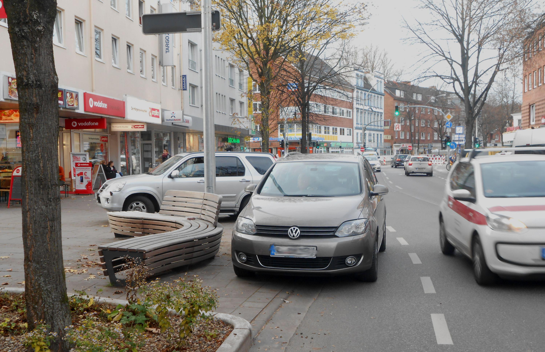 Ist das der Sinn der Fahrradspur? Foto: Anja von Bihl