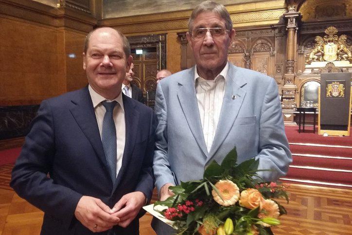 Scholz ehrt Ehrenamtliche aus Eimsbüttel