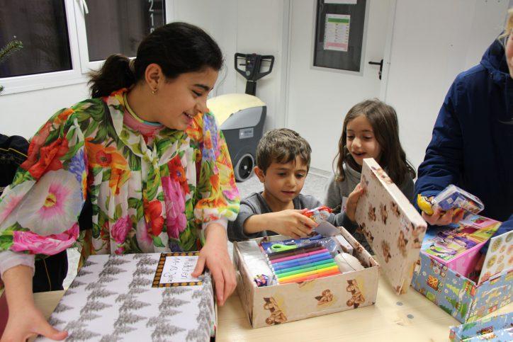 Für jedes Kind war etwas dabei – von Stiften über Malblöcken bis hin zu Gesellschaftsspielen. Foto: Ida Wittenberg