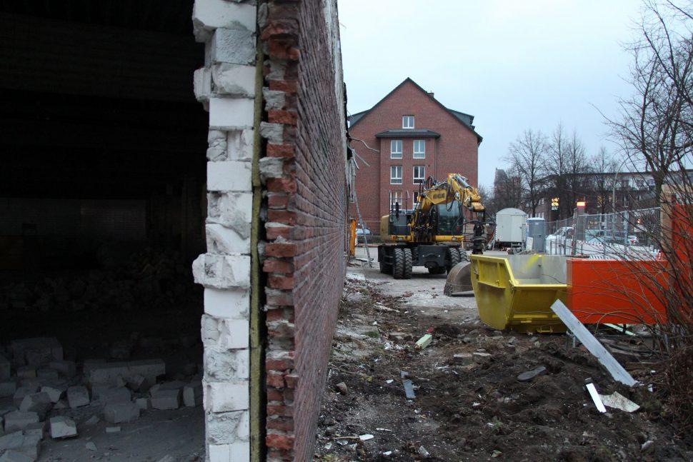 Der alte Aldi wird abgerissen.
