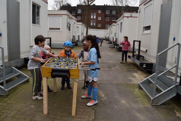 Die Kinder der Unterkunft kennen sich mittlerweile sehr gut und machen viel miteinander. Foto: Johanna Hänsel