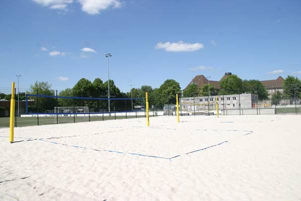 Die beiden Beachvolleyballplätze an der Bundesstraße können ab dem 1. April wieder bespielt werden. Foto: ETV