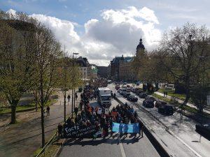 """March for Science in Hamburg: In der Hansestadt demonstrierten rund 2000 Teilnehmer für die Wissenschaft und gegen """"alternative Fakten"""". Foto: Anna Gröhn"""
