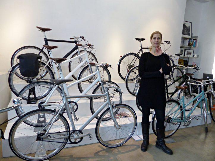 Im Bike Shop 'Two Wheels Good' von Dorothee Heine gibt es Fahrräder bis 5000 Euro. Foto: Constanze Lerch
